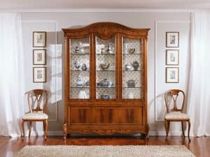 OLIMPIA B / Showcase with 3 doors, Traditional display with 3 doors, in walnut, fine carvings