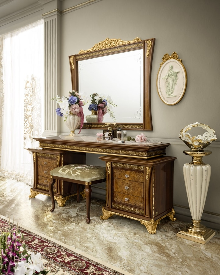Aida dressing table, Dressing table with handcrafted carvings