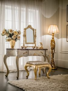 Art. 2068, Classical dressing table, in carved wood