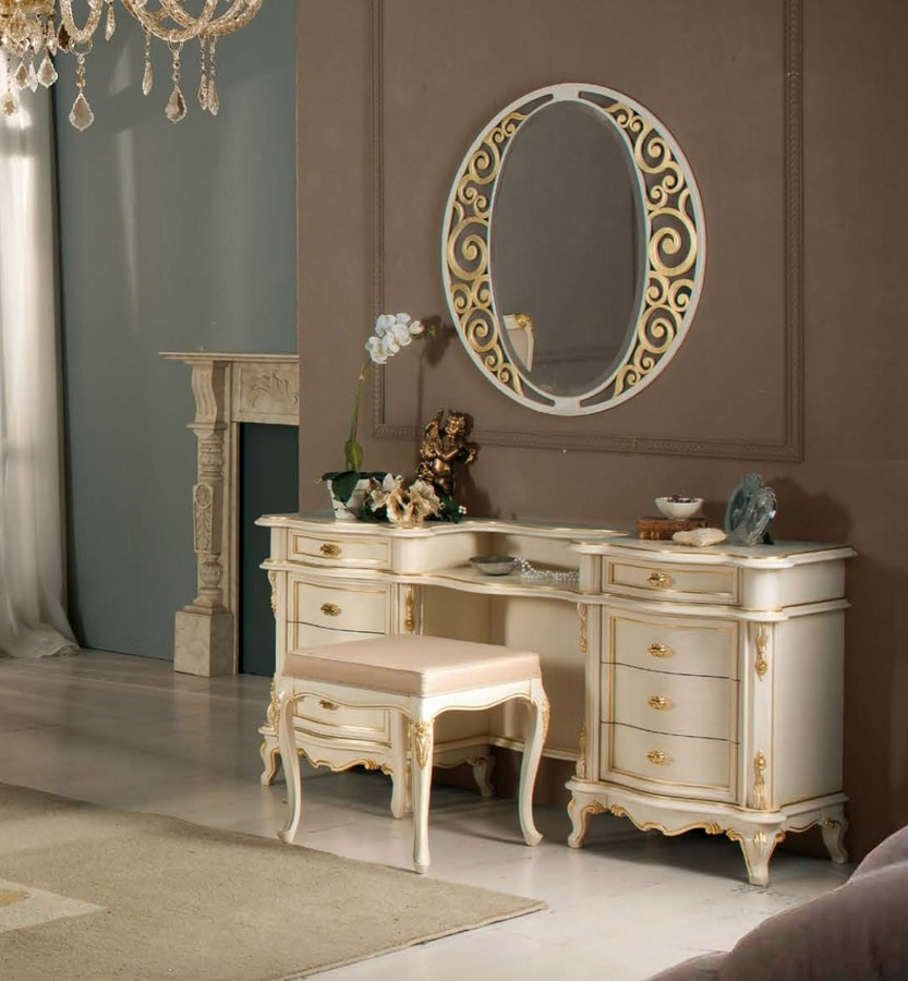 Art. 3810, Liberty style dressing table