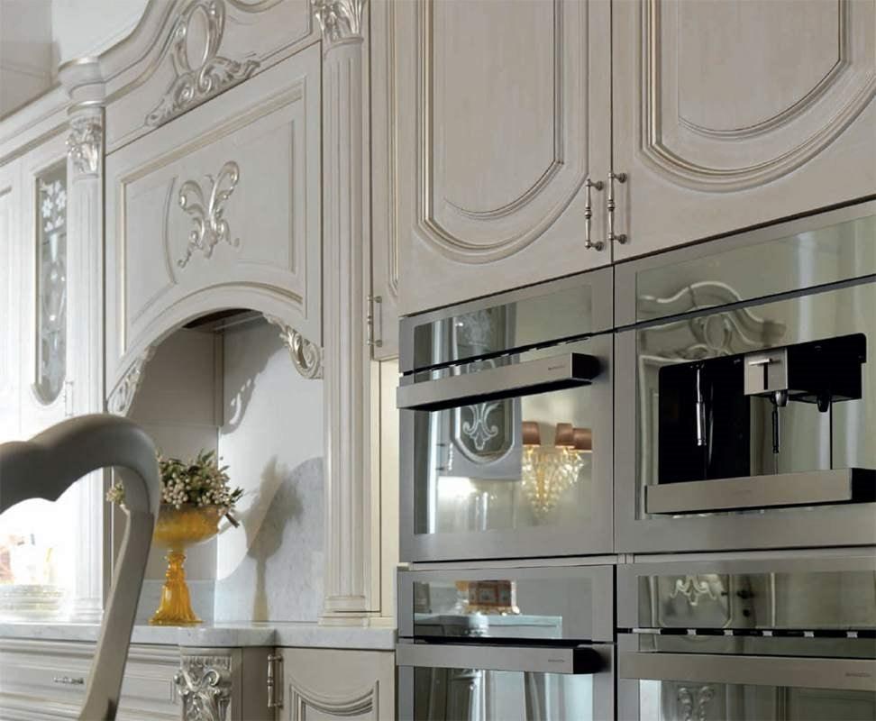 Luigi XVI kitchen, Kitchen furniture with refined and precious details