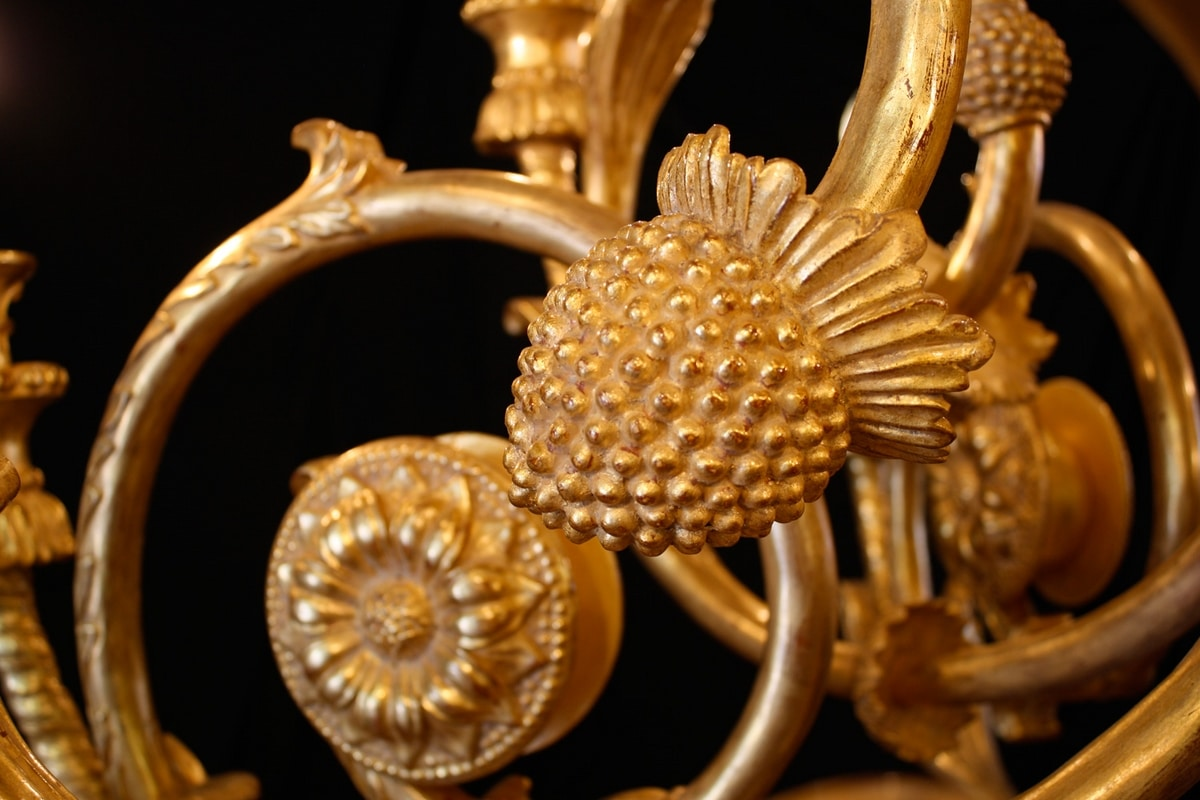 LAMP ART. LM 0053, Luxurious hand carved chandelier