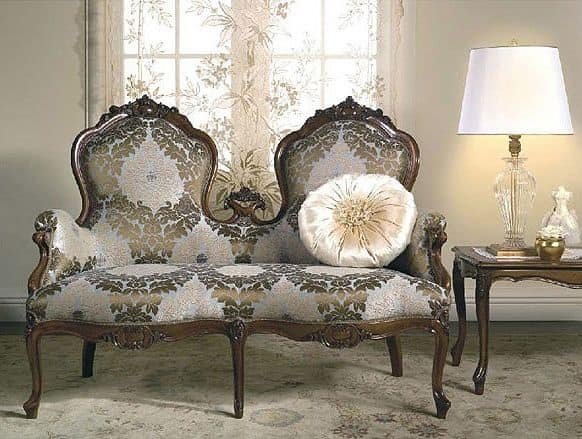 Art. CA62 Carlotta, Classic sofa, reproduces historical models reported to the XIX century