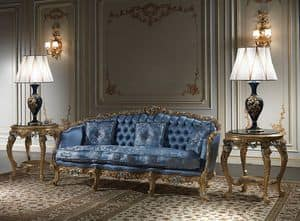 Art. SE-303 Eighteenth century Sofa, Sofa carved and gilded by hand, covered with silk