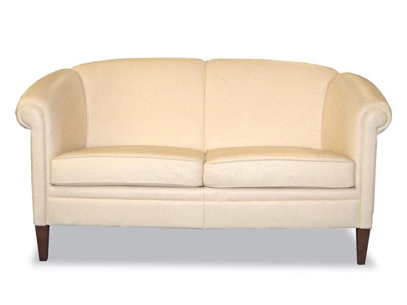 Helmond Sofa, Classic style sofa, upholstered in leather, for reception