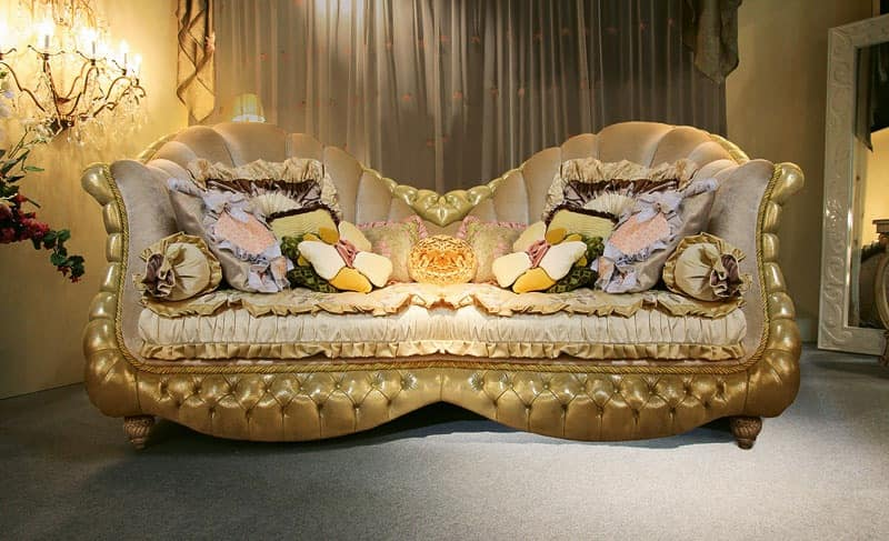 Hollywood, Classic sofa, padded tufted, carved legs