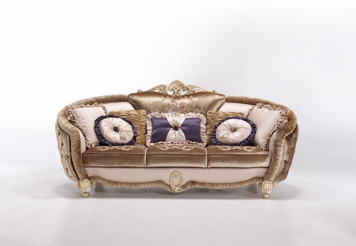 Isabelle sofa, Luxurious sofas in a classic style
