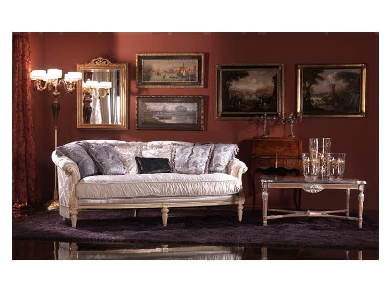 Nadia, French-style sofa, upholstered in silk, classic style