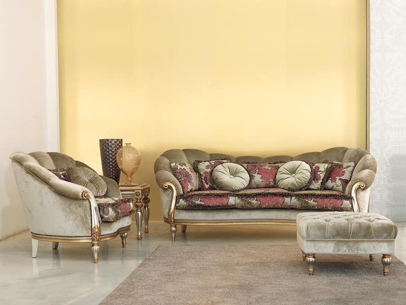 Olympia, Sofa in beech, hand-carved, silver mecca finish