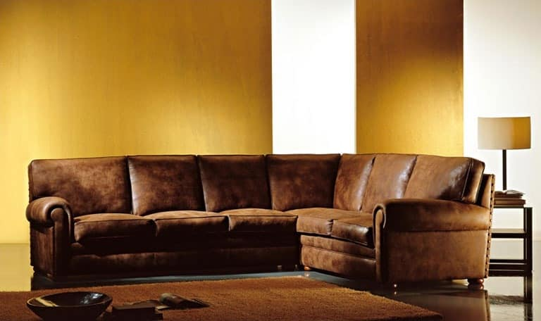 Oregon, Upholstered sofa, large pillows, classic style