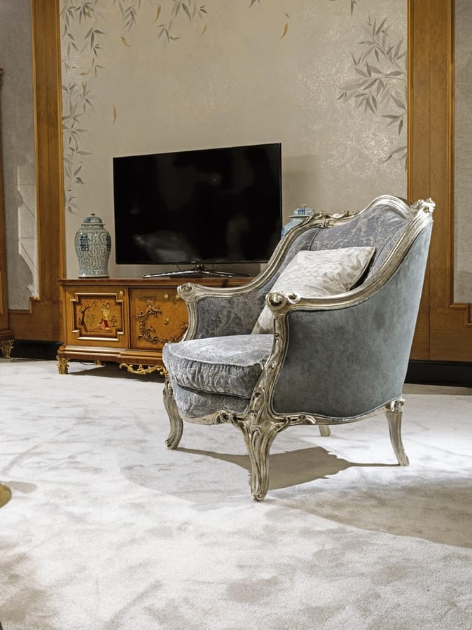 Sofa 4933, Classic carved sofa