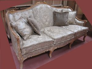 Sofa 4933, Classic carved sofa