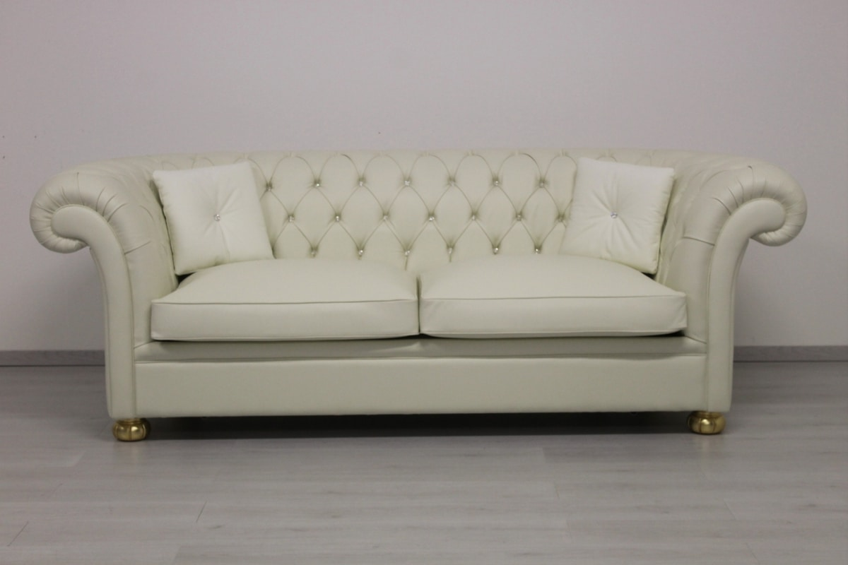 Classic chesterfield sofa bed | IDFdesign