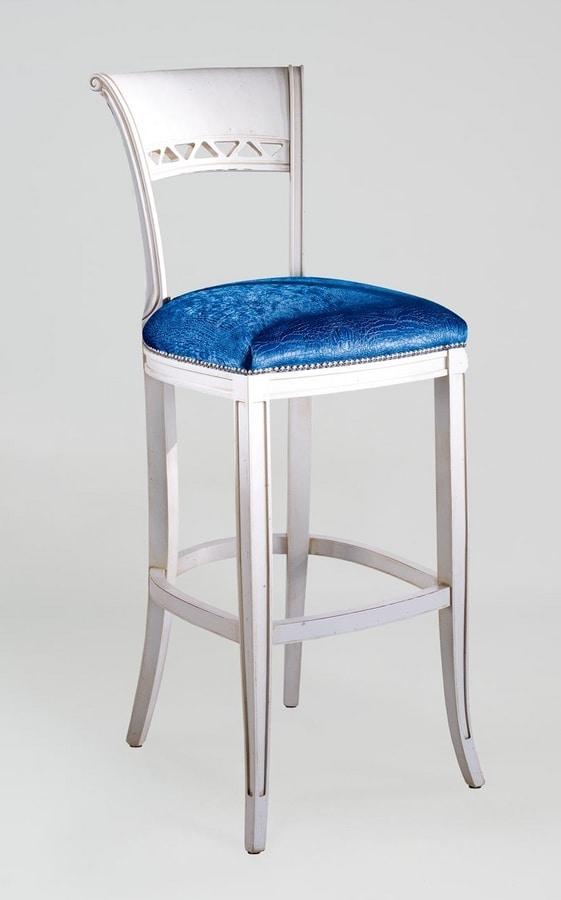 BS170B - Stool, Classic style stool