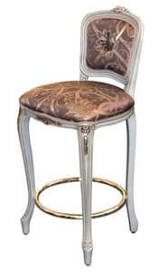 De Beers LU.0972, Classical carved stool with brass footrest