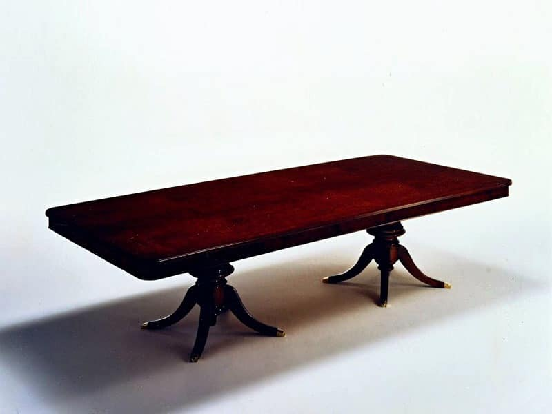 Wilde, Classic rectangular table, veneered in burr myrtle
