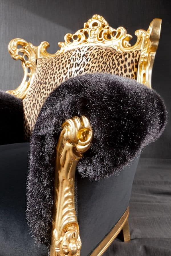 Finlandia animalier, Luxury armchair, upholstered in leopard print fabric