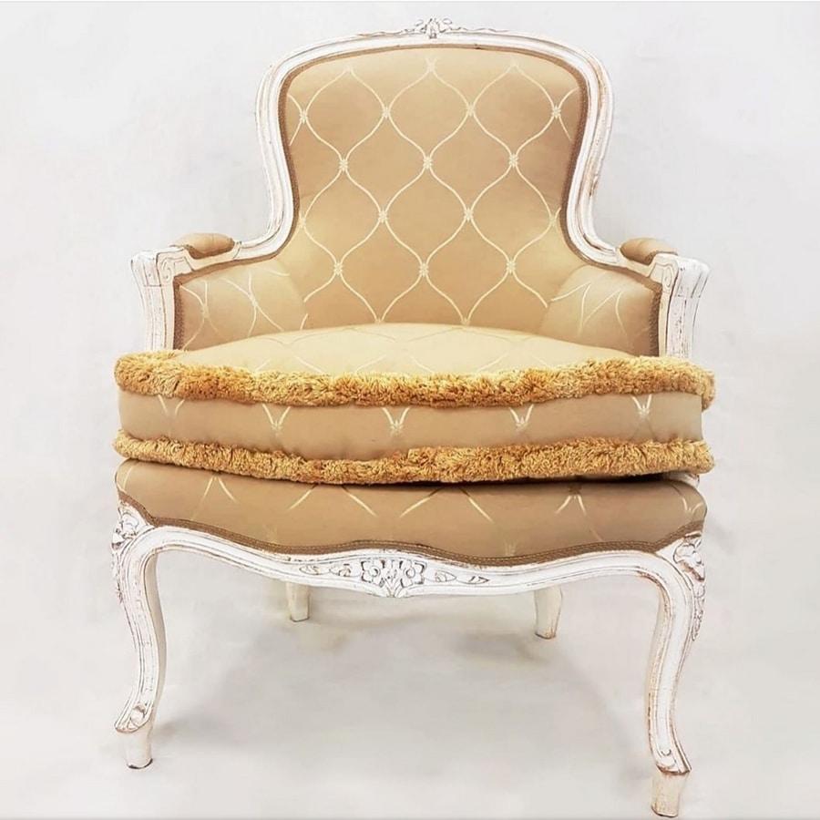 3160 ARMCHAIR, Classic carved armchair