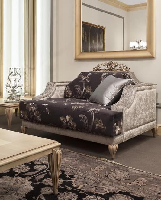 338P, Armchair with luxurious decoration