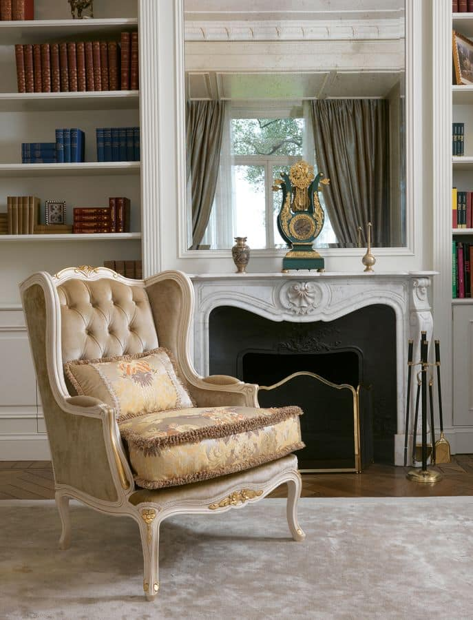 Delia capitonnè, Classic armchair with tufted back, carved wood