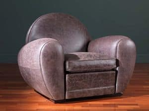 Edward, Armchair covered in leather, with soft supports
