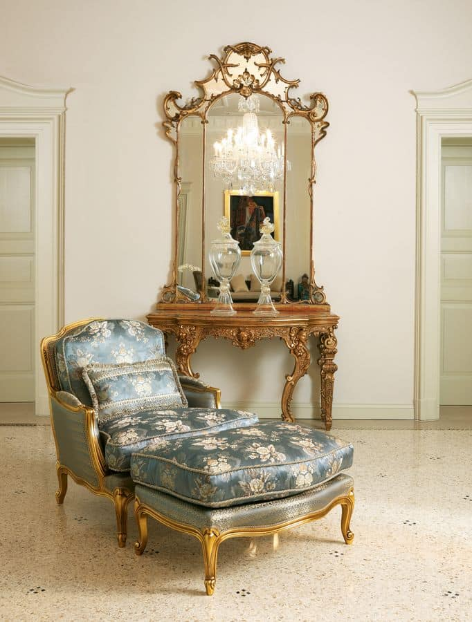 Eleonora, Classic armchair with pouf, gold leaf finish