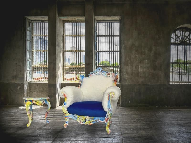 Finlandia Swirl lacquered, Glamour srmchair ideal for hotels, shops and discos