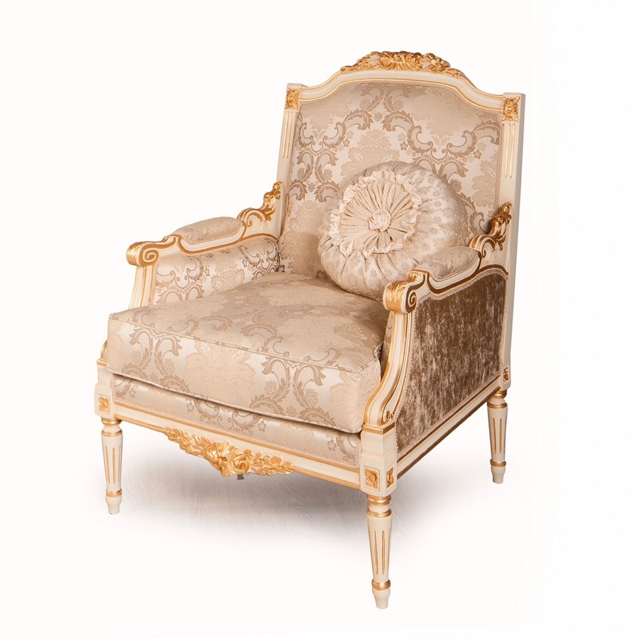 Louvre armchair, Classic armchair with carved decorations