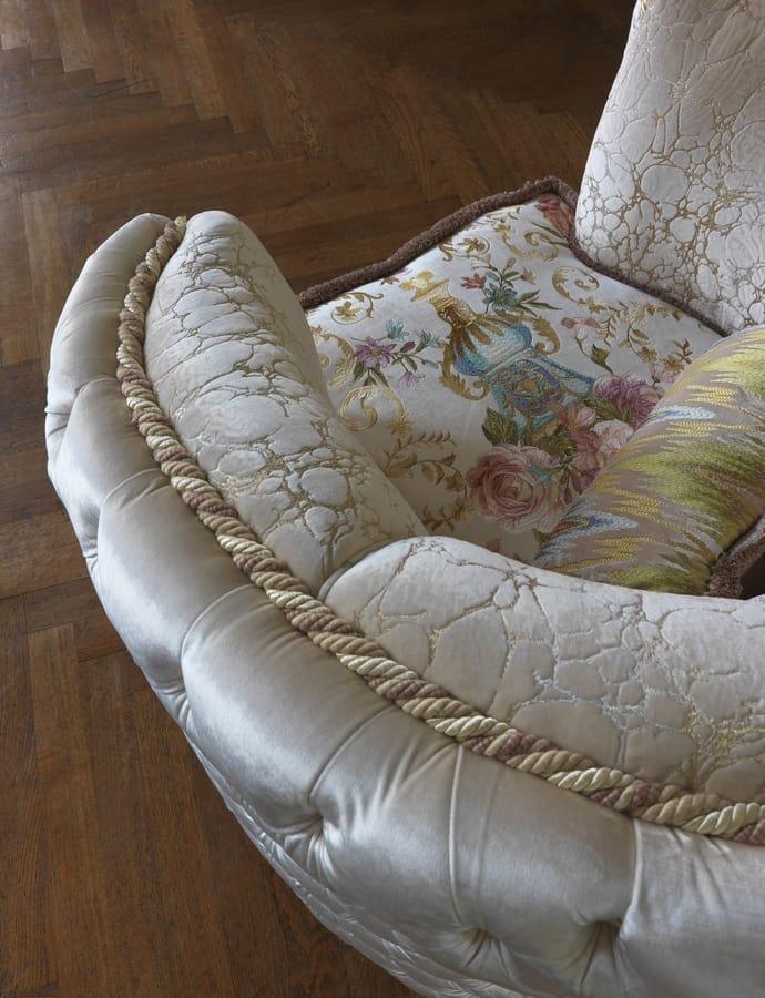 Rachele, Classic armchair with capitonné padding
