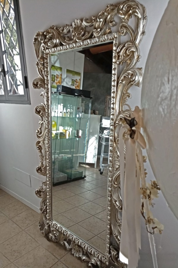Loto big, Rectangular mirror with gold leaf finishing