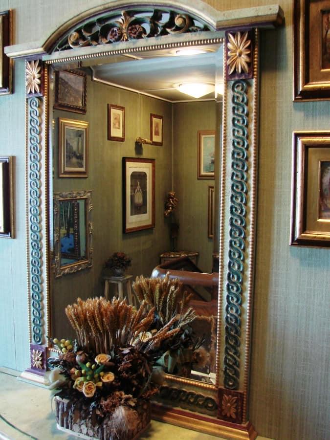 Art. 159, Handmade carved mirror