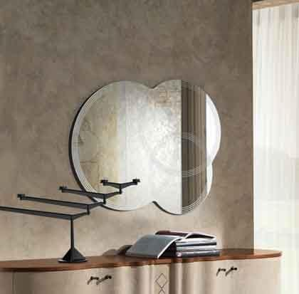 SP19 Iride mirror, Silkscreened mirror formed by 3 overlapping circles