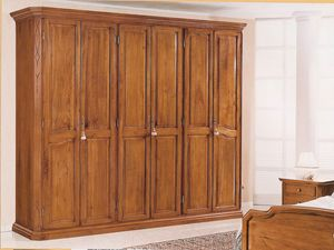 '800 wardrobe, Classic walnut wardrobe