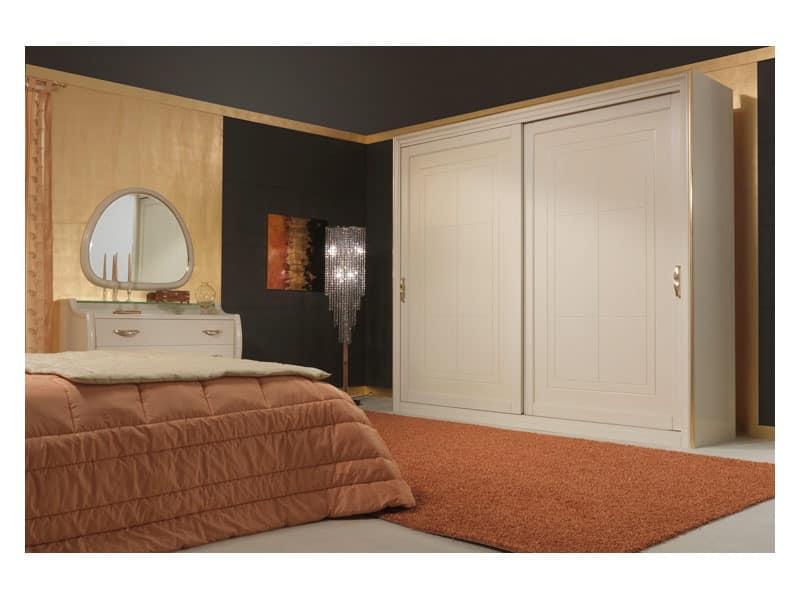 Art. 2010-I Wardrobe, Wardrobe with sliding doors, gold leaf details