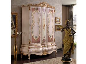 Marie Claire wardrobe, Wardrobe with hand-decorated doors