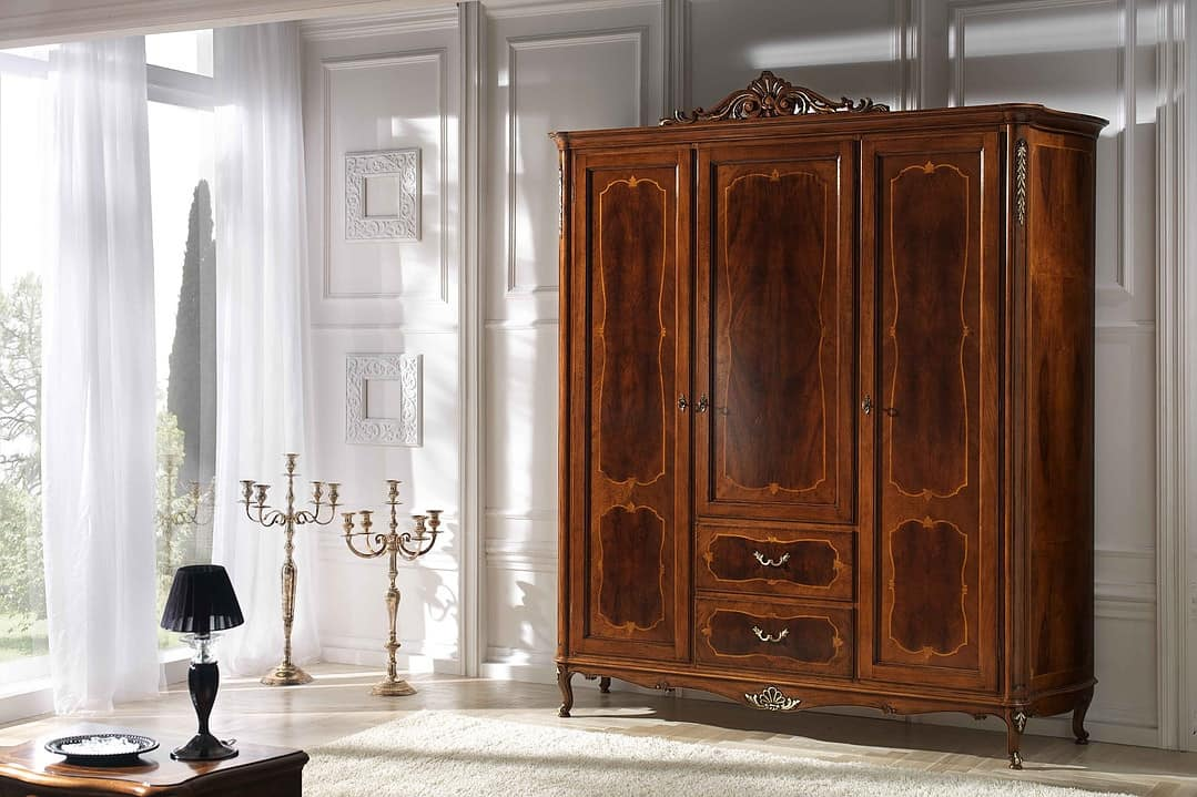P 706, Wardrobe with rich carving and molding, in 700 style