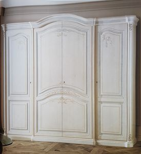 Poseido, Classic style wardrobe, with decorations done by hand