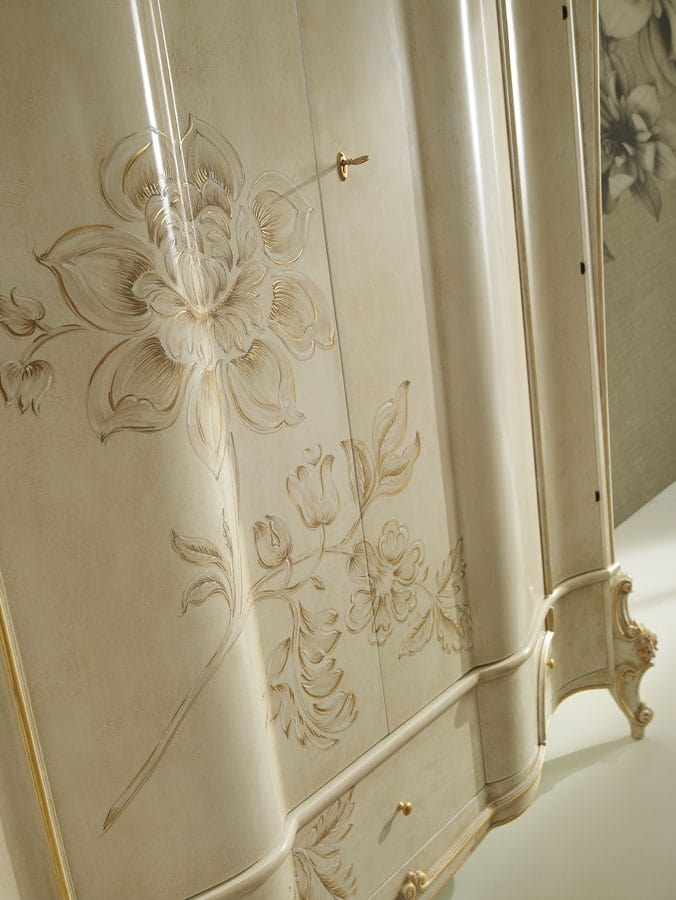 Signoria wardrobe, Classic style wardrobe with floral decoration