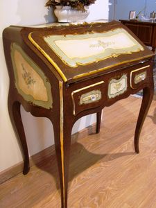 Art. 140, Classic writing desk with flap top