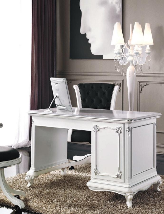 Art. 3244, Elegant white lacquered desk