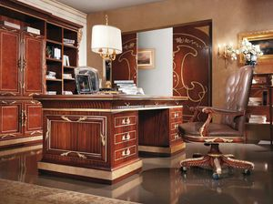 Esimia, Luxurious hand-carved desk