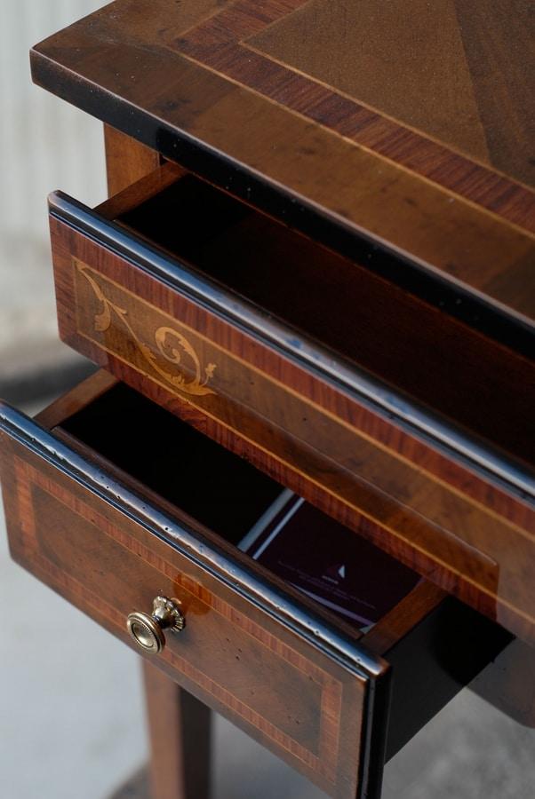 Irene FA.0035, Maggiolini-style writing desk with three drawers