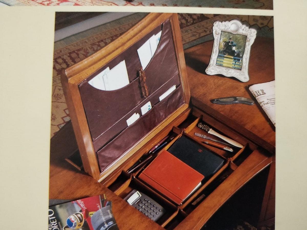 Menton VS.0218, Walnut bean-shaped desk, for elegant offices