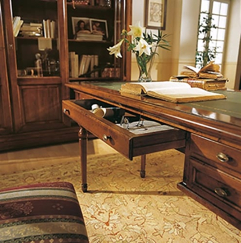 San Marco desk, Classic desk with leather top