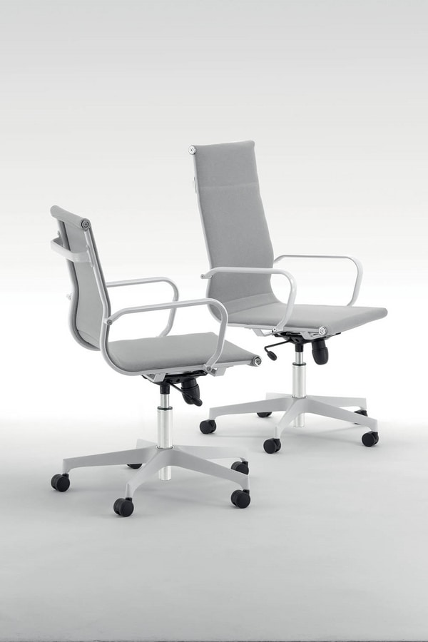 UF 579 / A, Executive chair with high back