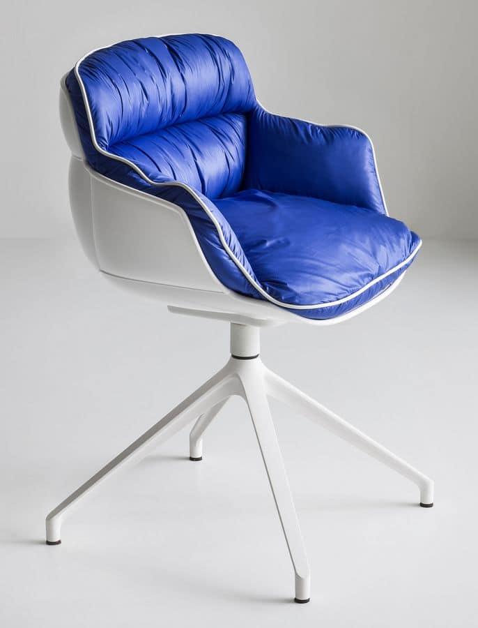 Choppy U, Swivel chair on metal base with 4 blades