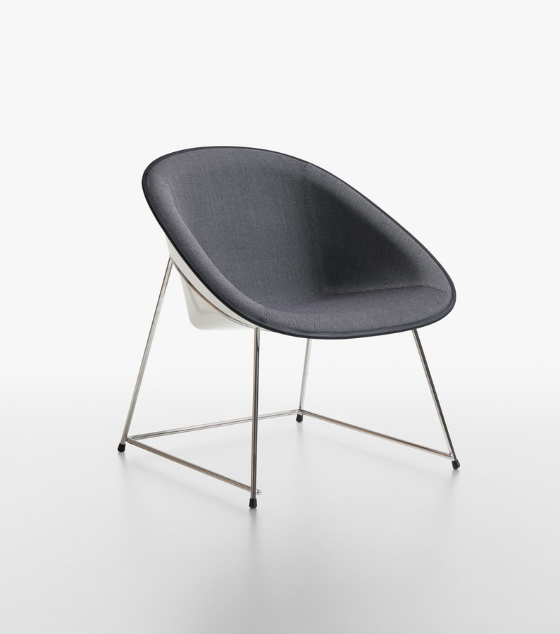 Admirable Padded Lounge Chair Idfdesign Creativecarmelina Interior Chair Design Creativecarmelinacom