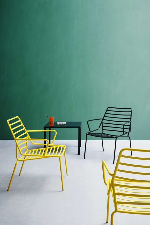 Link B, Resistant armchair in painted metal, for outdoors