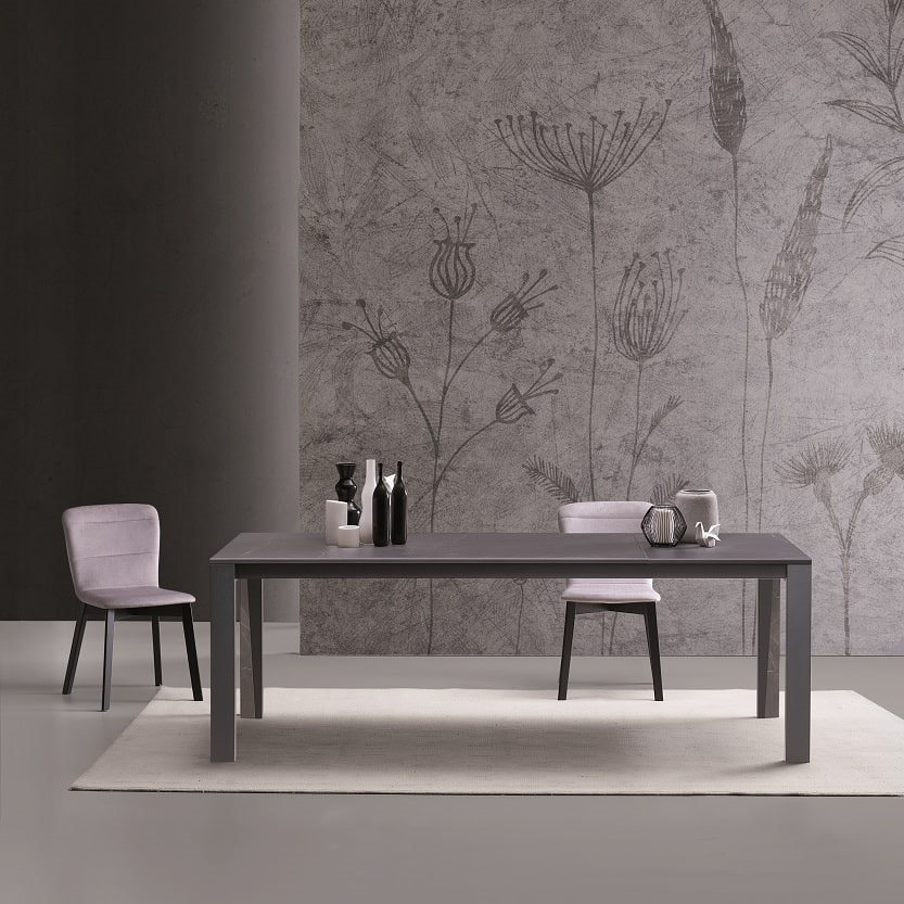 Arbok, Dining table with extensions
