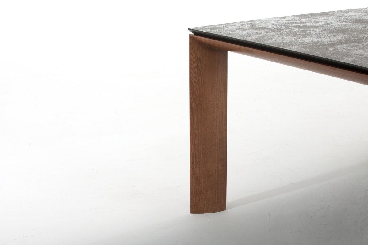 DADA, Extendable table with ceramic top